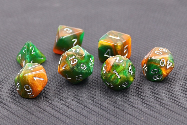 HD Dice Emerald Vale poly dice