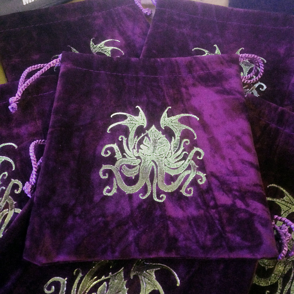 Dice Bag - Purple crushed Velvet with antique gold Cthulhu imprint